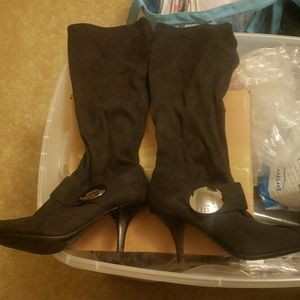 BCBG Silvia Stretch Black suede boot size 8
